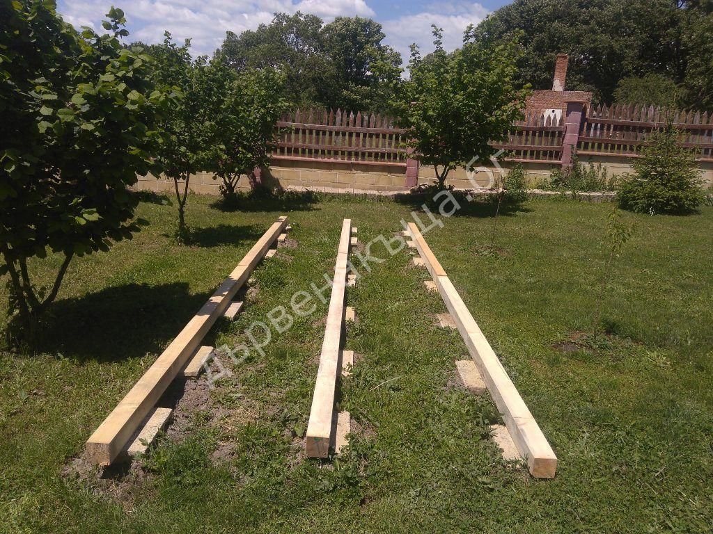 Полуготова скара за съхранение на дървен материал