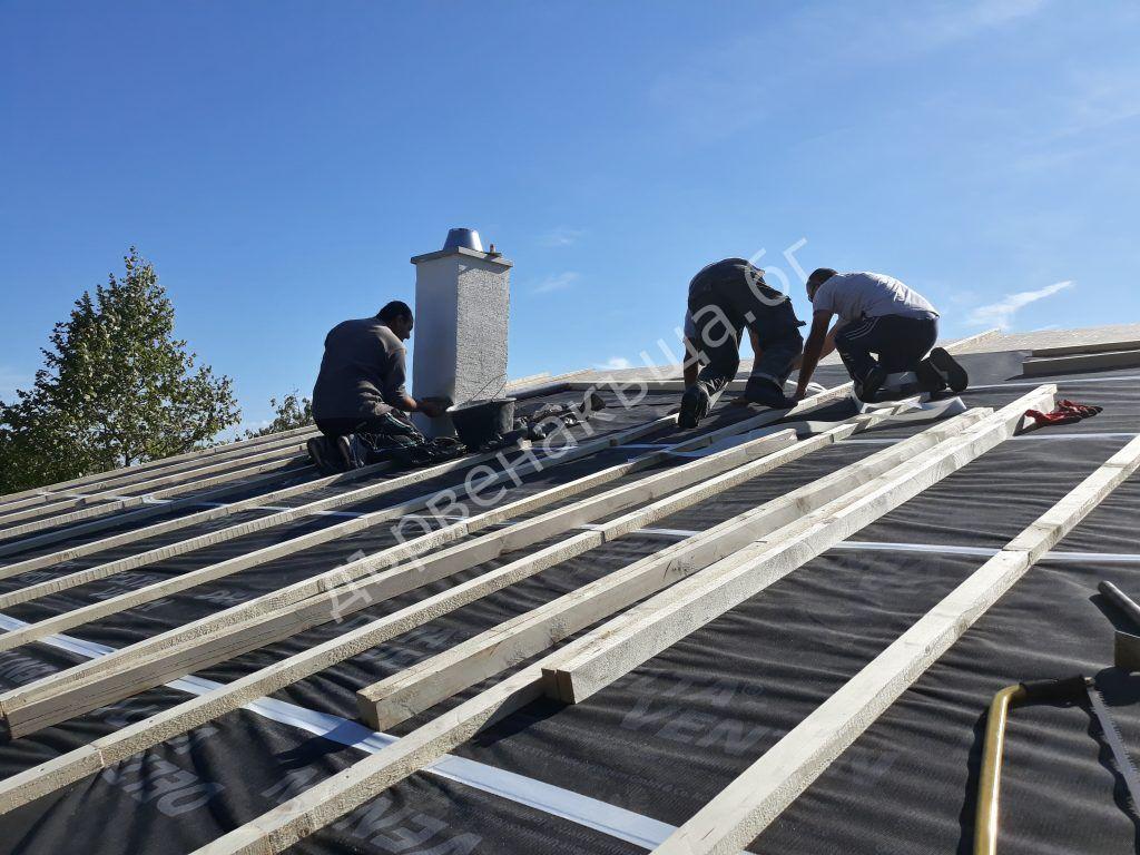 Покриване на покрива с паропропусклива мембрана